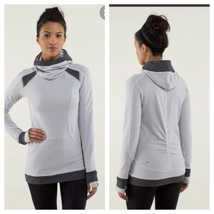 Lululemon Base Runner Hoodie ponytail hole size 4